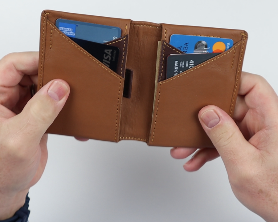 Aurochs Gravity wallet carry test review