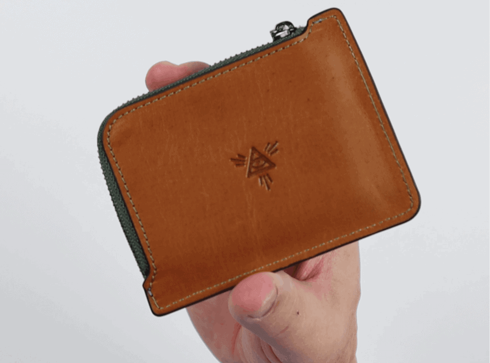 Undivided Zipper Wallet