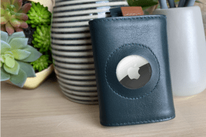 Frenchie Speed Mini AirTag wallet